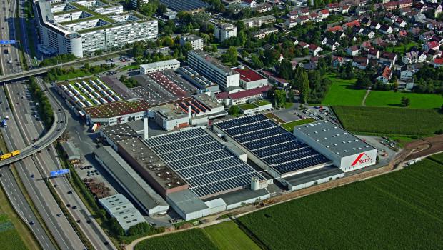 Blick auf den Stammsitz des Familienunternehmens Roto Frank in Leinfelden-Echterdingen an der A8 bei Stuttgart.