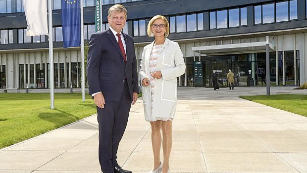 Niederösterreichs Landeshauptfrau Johanna Mikl-Leitner und RWA-Generaldirektor Reinhard Wolf haben den RWA Campus Korneuburg offiziell eröffnet.