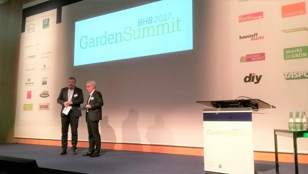 Dr. Peter Wüst (links), BHB-Hauptgeschäftsführer, und Detlef Riesche, BHB-Vorstandssprecher, auf dem diesjährigen BHB Garden Summit.