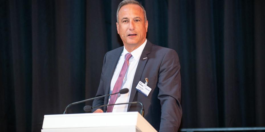 Eurobaustoff, Dr. Eckard Kern