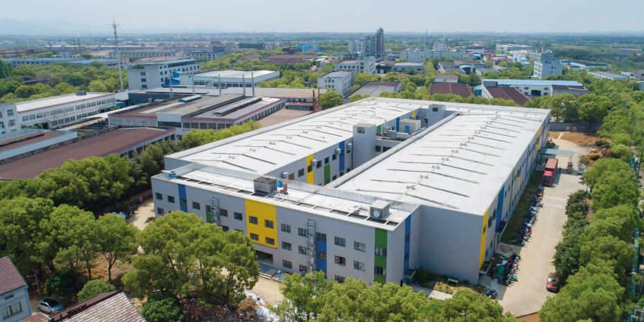 Die neue Produktionsstätte der Storch-Ciret Group für Farbwalzen, Pinsel und Zubehör in Jinhua bietet moderne Anlagen und ein angenehmes Arbeitsumfeld.