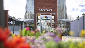 Dehner hat Galerie und Gastronomie am Blumenpark modernisiert