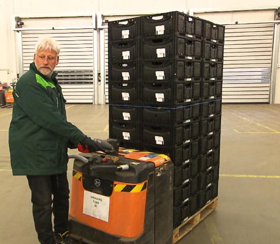 Mitarbeiter in der Baumschule, als Lagerist, Kassierer und Verkäufer: Dirk Bader musste verschiedene Tätigkeiten übernehmen - auch körperlich anstrengende.