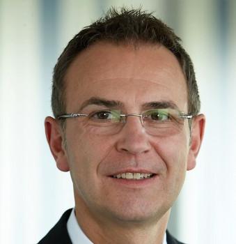 Eurobaustoff-Geschäftsführer Hartmut Möller nennt vor allem die Vertriebskonzepte, moderne Ausstellungen und konsequente Marketingmaßnahmen als Gründe für das hohe Umsatzplus gerade bei den Spezialisten der Kooperation.