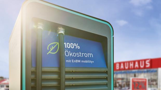 An 106 Standorten können Kunden künftig vor den Fachcentern Strom tanken.