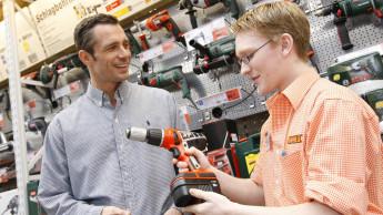 Baumarkt-Verkäufer werden geschätzt und bringen Mehrumsatz