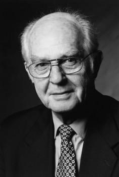 Die Rudolf Müller Mediengruppe trauert um ihren ehemaligen Verleger und Geschäftsführer Dr. Walther Müller.