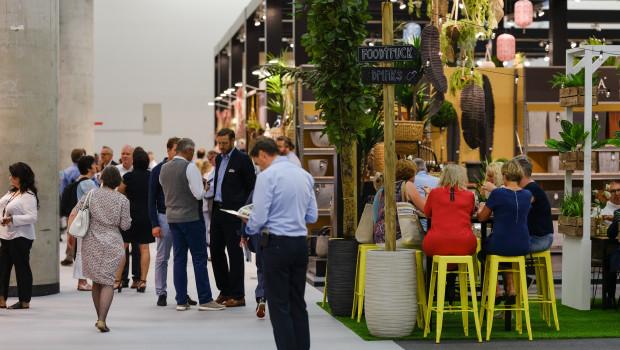 Als Fachmesse für Konsumgüter zeigt die Tendence die aktuellen Trends und Produkte für das Einrichten, Dekorieren, Schenken, beim Schmuck, Fashionbedarf und Genießen.