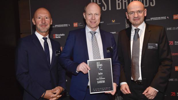 Gardena stand zum zweiten Mal in Folge auf dem Siegetreppchen des Best Brands Awards und hat sich um gleich drei Plätze verbessert.  Laurent Van Hoestenberghe, Pär Åström und Tobias M. Koerner (v. l.) nahmen die Auszeichnung in München entgegen.