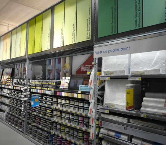 Unter anderem für Innendeko und Farbe wurde mehr Verkaufsfläche geschaffen.