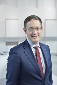 Dr. Jochen Fabritius (42) tritt zum 1.11.2014 als Chief Operating Officer (COO) in die Geschäftsführung der Xella International GmbH ein.