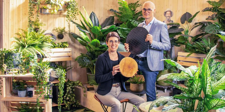 """Ellen und Ulrich Wagner präsentieren die """"First Black Forest Garden Show"""" am Firmensitz in Lahr."""