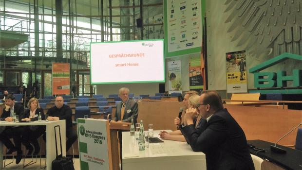 Smart Home ist eines der Themen, mit dem sich die Teilnehmer des BHB-Baumarktkongresses im Bundeshaus in Bonn beschäftigen.