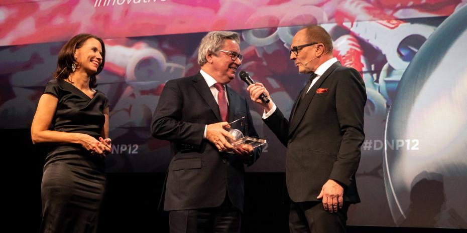 Prof. Klaus Fischer (Mitte), Auszeichnung Nachhaltigkeitspreis, Stefan Schulze-Hausmann