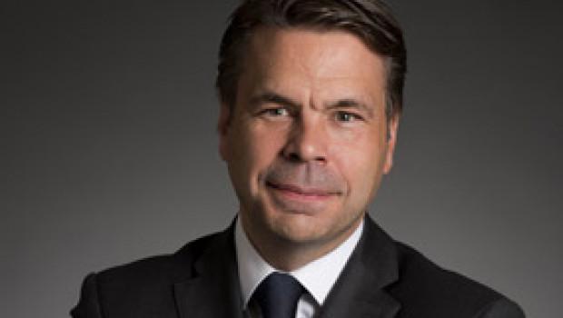 Niko Johns kehrt zur Rewe zurück und wird CFO von Toom Baumarkt.