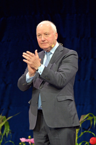 DIY-Lifetime-Award, John W. Herbert