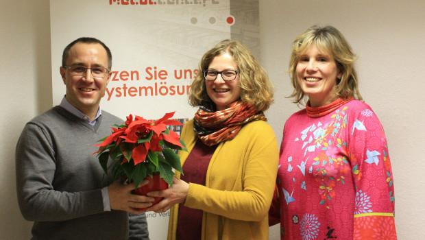 Als kleiner Dank für die Spende von Modulconcept an das Chemnitzer Auryn-Projekt des Deutschen Kinderschutzbundes wurde an Geschäftsführer André Lagois ein Weihnachtsstern überreicht.