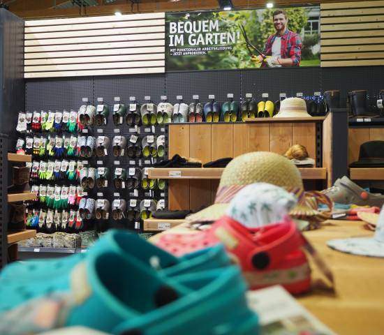 Schuhe, Handschuhe, Kleidung: Dafür gibt es nun ein ganzes Flächenkonzept für die Sagaflor-Partner.
