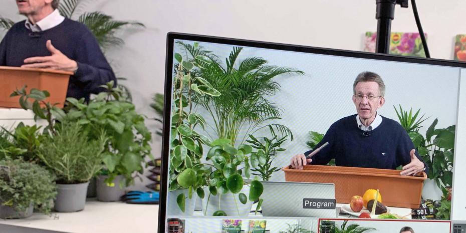 Diplom-Gartenbauingenieur Werner Peitzmann gibt sein Wissen als Compo-Fachberater digital weiter.