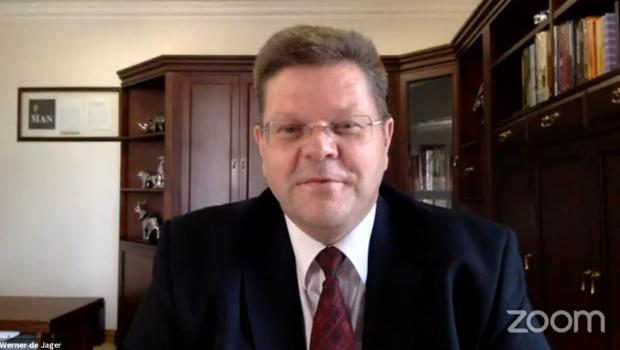Werner de Jager, CEO der südafrikanischen Baumarktkette Cashbuild, im Zoom-Interview mit John Herbert.