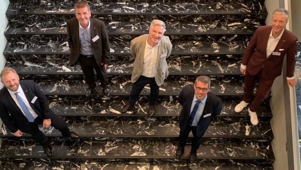 Der neue Aufsichtsrat der Holzland-Kooperation (v. l.) mitKarsten Ahrens, Dr. Josef Simmer, Daniel Pfirter, Jochen Scherf und Johann Ziller.