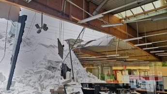 Dach eines Holzfachmarktes eingestürzt