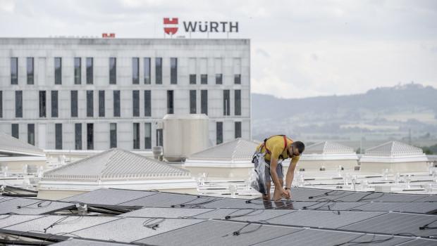 Die Adolf Würth GmbH & Co. KG plant, Photovoltaikanlagen auf dem Campus in Künzelsau sowie dem Zentralen Außenlager in Hohenlohe nahe des Firmensitzes zu realisieren.