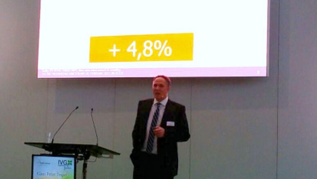 Klaus Peter Teipel stellte in Köln auf dem IVG-Medientag die neuesten Gartenprognosezahlen vor.
