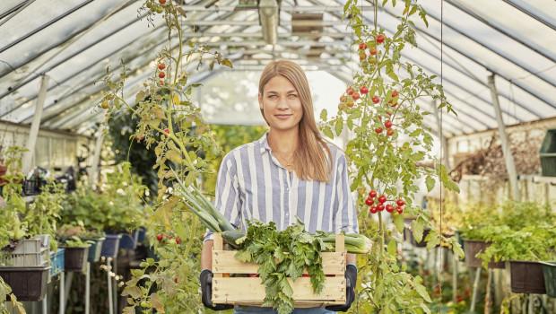 Gartenarbeit und ökologisches Bewusstsein passen zusammen.