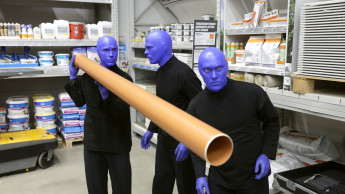 Blue Man Group im Toom-Baumarkt