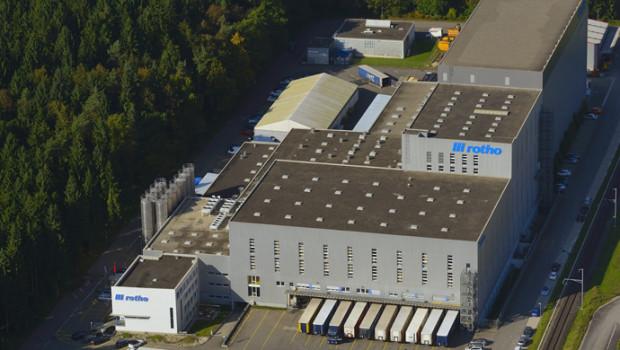 Rotho ist ein Hersteller von Haushaltsprodukten. Winfried Köbel war viele Jahre Geschäftsführer des Unternehmens.