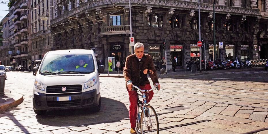 Automarkt, Auto oder Fahrrad?