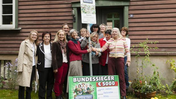 Die Ziegendorfer Landfrauen aus Mecklenburg-Vorpommern qualifizierten sich mit ihren fantasievollen Begrünungsaktionen als Gewinner.