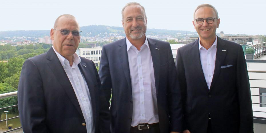 Zufrieden in Bad Nauheim: Die Geschäftsführung der Eurobaustoff (v. l.: Jörg Hoffmann, Dr. Eckard Kern und Hartmut Möller) gab Mitte Juli die Zahlen der Kooperation für das erste Halbjahr 2020 bekannt.
