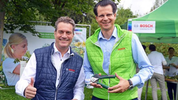 Henk Becker (l.) wird Vorsitzender der Geschäftsführung bei Bosch Power Tools und folgt damit auf Henning von Boxberg, der den Vorsitz der Geschäftsführung bei Bosch Service Solutions übernimmt.