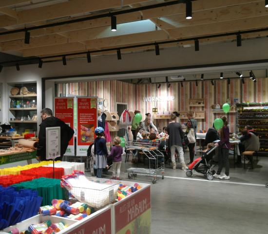 Viel los war am Knauber-Jubiläumstag u. a. im Workshop-Bereich ...