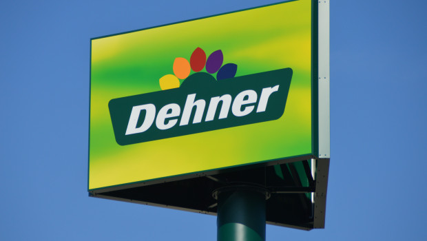 Dehner macht aus den Geschäftsbereichen Gartencenter, Agrar, Degro und Logistik rechtlich verselbständigte Profit-Center in Form von GmbH & Co. KGs, die unter dem Dach der Dehner Holding GmbH & Co. KG operieren.