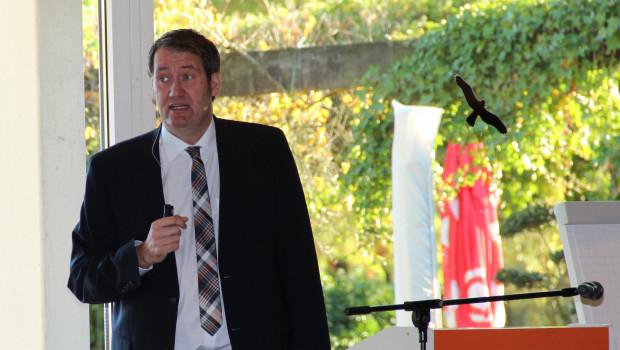 """Der """"Ökofimmel"""" war das Thema des Gastvortrags, den der Spiegel-Journalist Alexander Neubacher auf dem Torf- und Humustag hielt."""