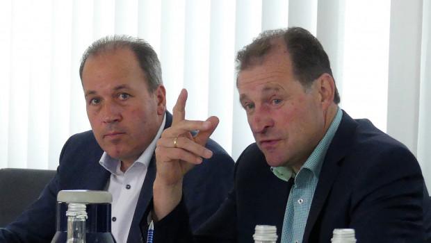 Der Vorstandsvorsitzende Ewald Glaser und Vorstand Lukas Roßhart erläuterten auf der Bilanz-Pressekonferenz die aktuellen Zahlen der ZG Raiffeisen.