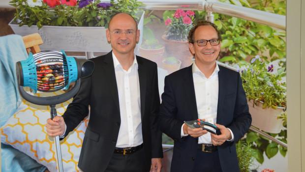 Sascha Menges (r.), President der Gardena Division im Husqvarna-Konzern, und Vertriebschef Tobias M. Koerner sind zufrieden mit der Entwicklung von Gardena im vergangenen Jahr.