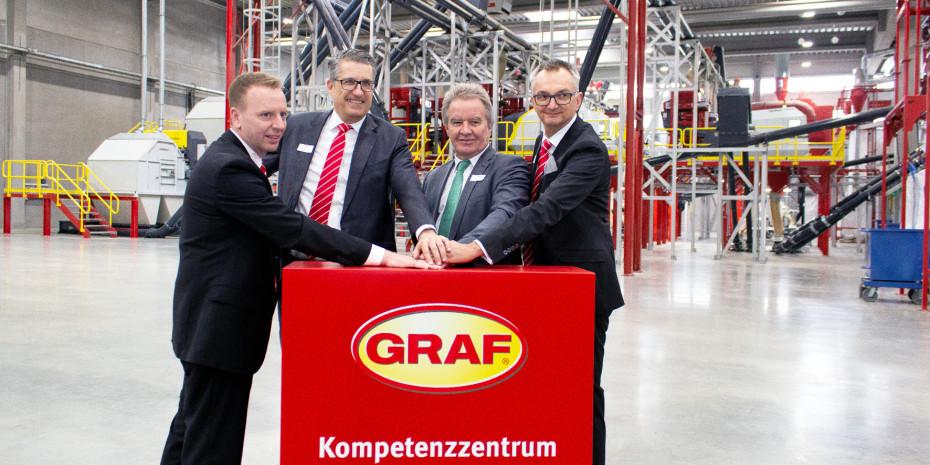 Inbetriebnahme, Kompetenzzentrum Rohstoffe, (v.l.) Heiko Rapp, Otto P. Graf, Franz Untersteller, Jörg Drägert