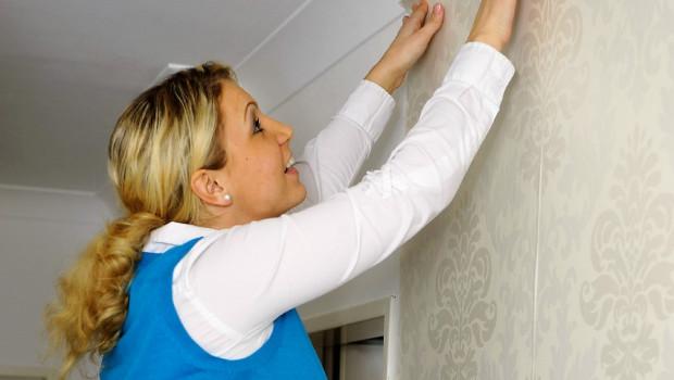 Viele finden Tapeten schön, meinen aber, tapezieren sei zu aufwändig, wie aus einer Studie des DTI hervorgeht.