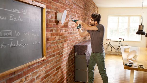 Je höher das Einkommen ist, desto mehr wird Heimwerken als zeitliche Belastung empfunden. Foto: Bosch