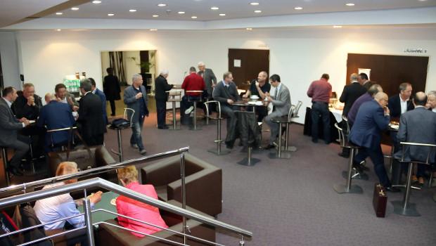 Aufsichtsrat und Geschäftsleitung von EMV-Profi hatten zu einer Informationsveranstaltung über die bevorstehende Fusion mit dem Baustoffring nach Kassel eingeladen.