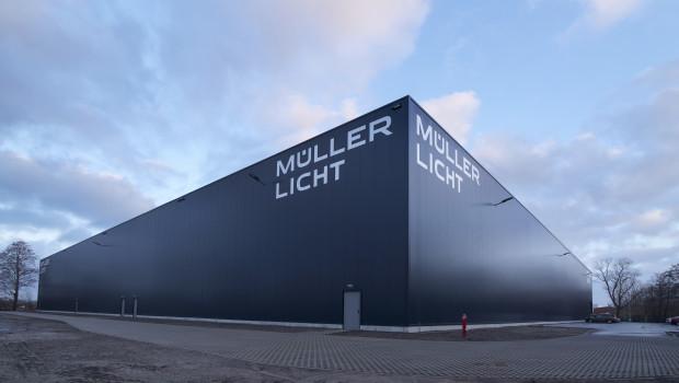 Außenansicht des neuen Logistikzentrum am Hauptsitz von Müller-Licht in Lilienthal. [Bild: Müller-Licht]