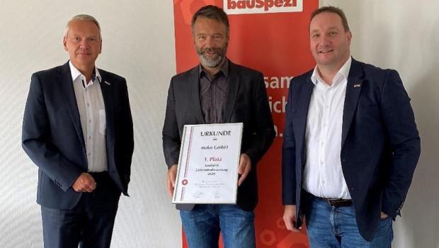 Uwe Müller, Key-Account-Manager bei Mako, nahm die Liefranteauszeichnung von Einkaufsleiter Dirk Mende und vom Marketingleiter Dr. Jochen Wesemeier von Bauspezi entgegen.