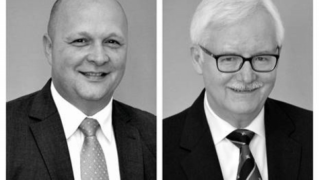 Helmut Meyer, links im Bild, übernimmt bei der IDV die Verkaufsleitung DIY/Retail. Elmar Born geht in den Ruhestand.