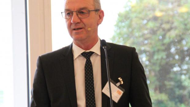 Jürgen Mertz, Präsident des Zentralverbands Gartenbau, gratulierte dem IVG zum 50. Jubiläum des Torf- und Humustags.