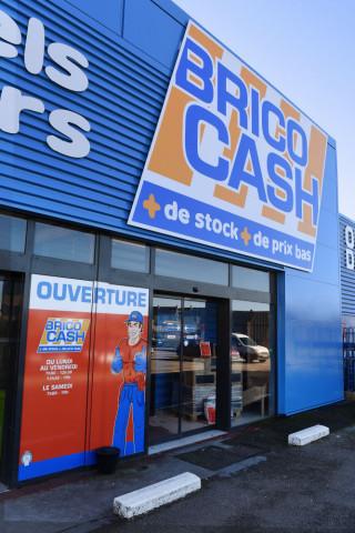"""Die Gruppe """"Les Mousquetaires"""", mit ihren beiden Marken Bricomarché und Brico Cash viertgrößter Betreiber von Baumärkten in Frankreich, will ihren Wettbewerber Bricorama übernehmen."""