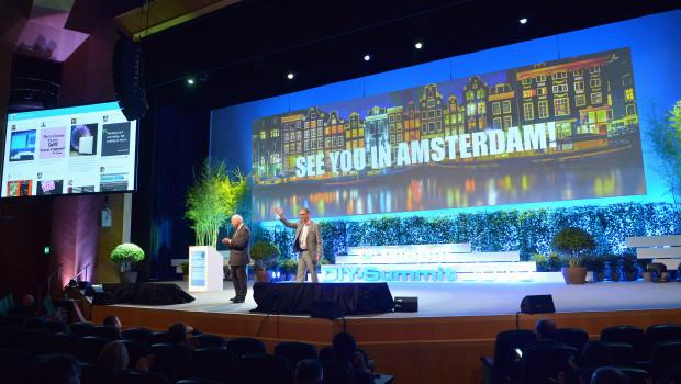 John Herbert (l.) und Ralf Rahmede, die Geschäftsführer von Edra und Fediyma, verabschiedeten die knapp 1.000 Teilnehmer des Summit und luden sie für nächstes Jahr nach Amsterdam ein.